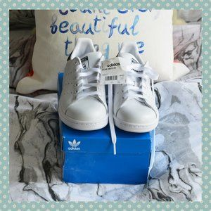 BNIB Adidas Stan Smith Sneaker White/Navy